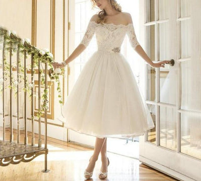 SS32 Boat-Neck Tulle Appliques Wedding Gown