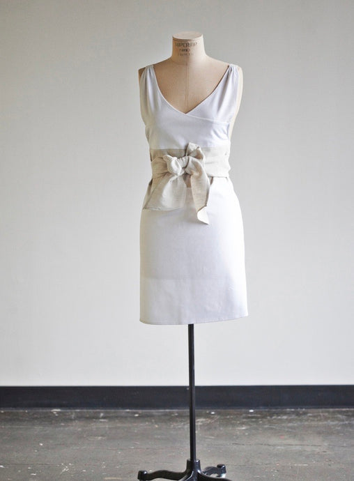 Heirloomed Full Sash Apron Frosty Tin Marshmallows