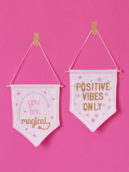 positive vibes only wall banner