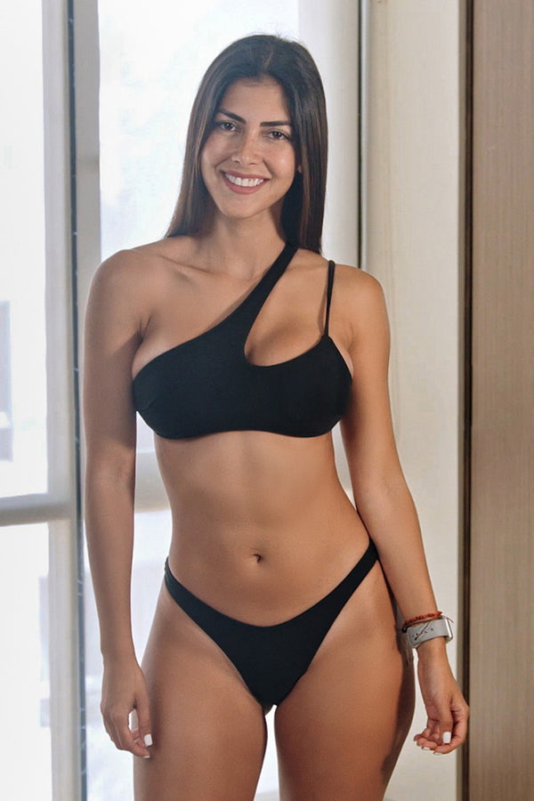 Black One-Shoulder Bikini