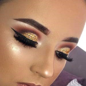 SPARKLE and SHIMMER to your eye shadow highlight and accentuate cheekbones and collar bones!