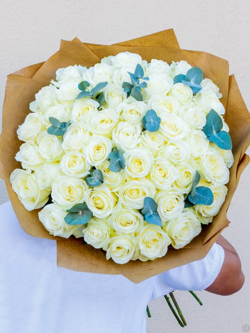 50 White Rose Hand-tied