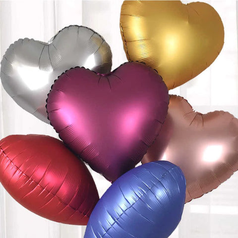 6 MATCHING BALLOONS (MAY VARY)