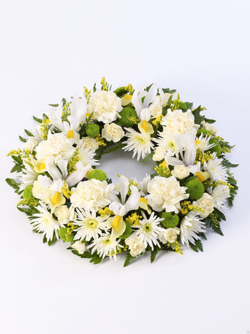 Classic Wreath Yellow & Cream