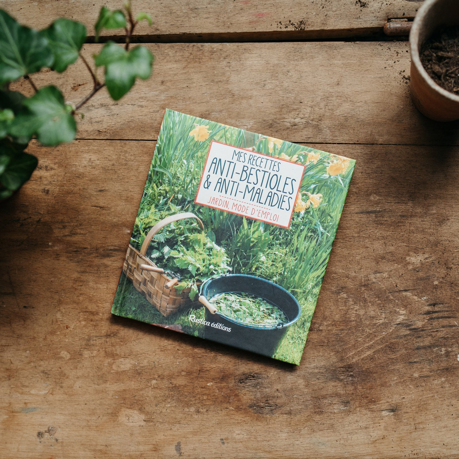 Livre permaculture nuisible ravageur