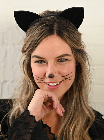 Halloween Cat Makeup minimal makeup