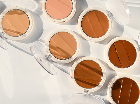 Group of Undone Beauty 3-in-1 concealer palette in different shades.