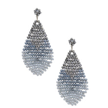 Load image into Gallery viewer, Geta Petite Earrings