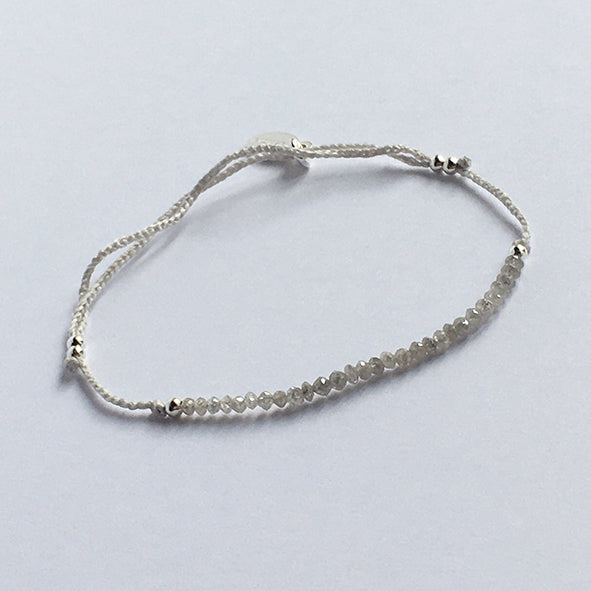 Collection Lily I Bracelet Lily diamants gris