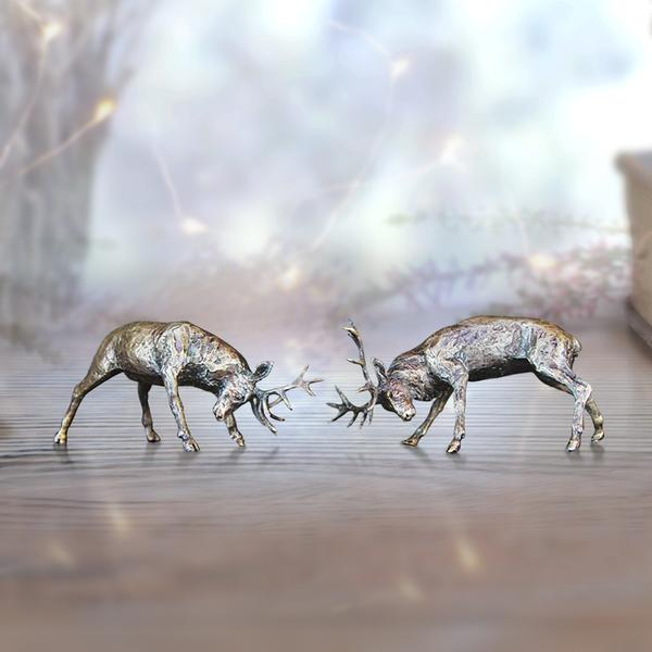 Butler & Peach Miniatures - Rutting Stags