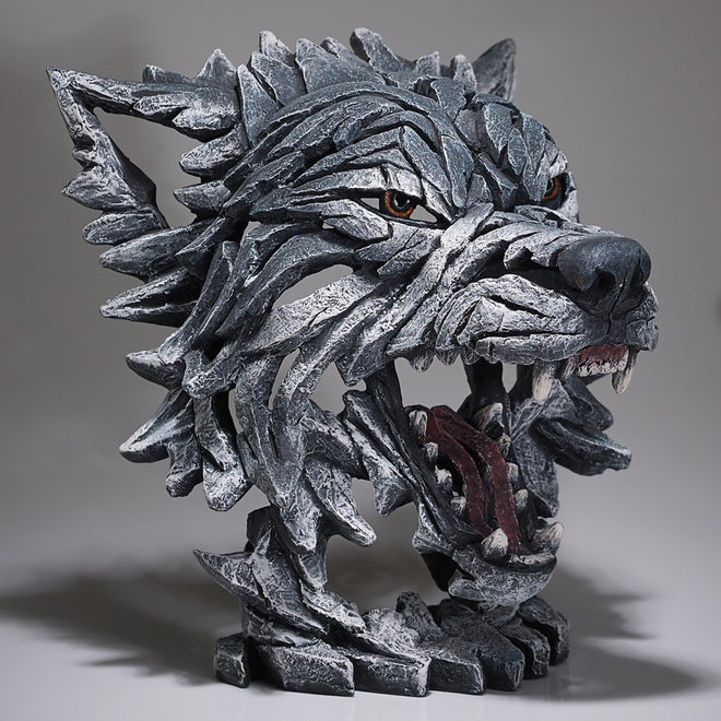 Edge Sculpture Wolves
