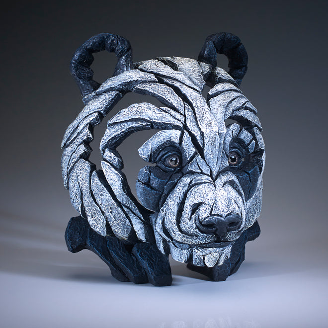 Edge Sculpture Bears