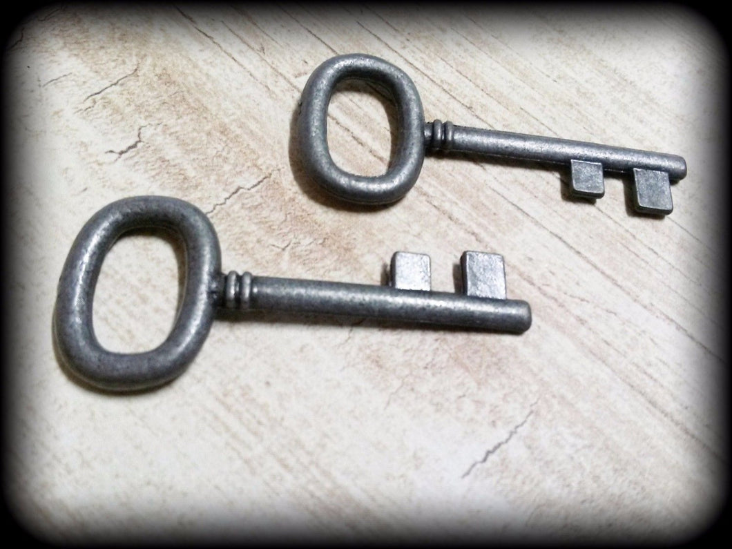 Skeleton Key Pendants Black Gunmetal Keys Wedding Keys Wholesale Skeleton Keys Barrel Keys Black Keys Steampunk Keys 2 Sided 4mm 10pcs