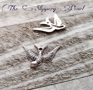 Bird Pendants Sparrow Charms Swallow Pendants Left Facing Bird Antiqued Silver Bird Charms Animal Charms 10 pieces Rockabilly Charms