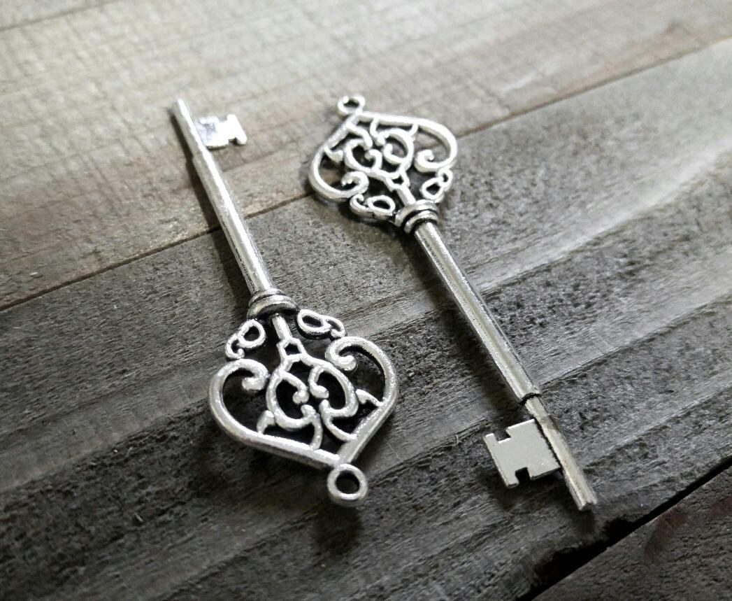 Bulk Skeleton Keys Silver Key Pendants Large Keys Silver Keys Wholesale Keys Skeleton Key Pendants Steampunk Keys 30 pieces 70mm