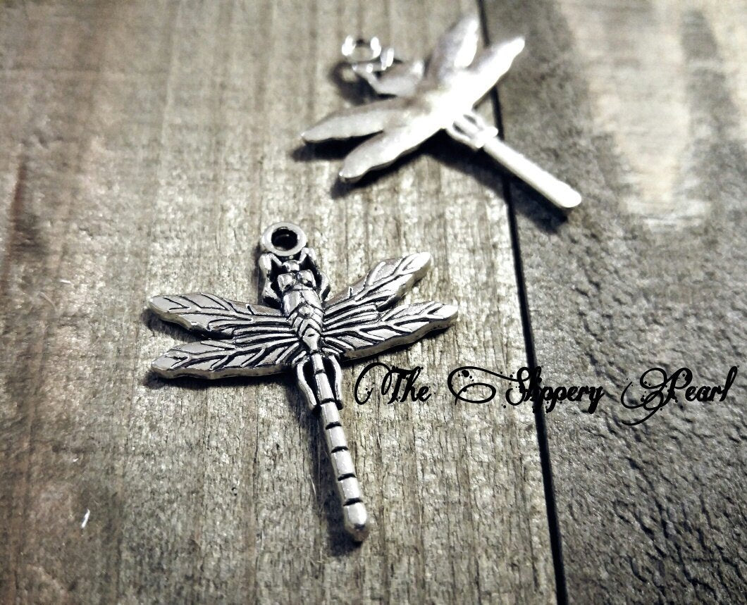 Dragonfly Charms Insect Charms Dragonfly Pendants Dragonfly Charms Small Dragonfly Charms Garden Charms Spring Charms 8 pieces