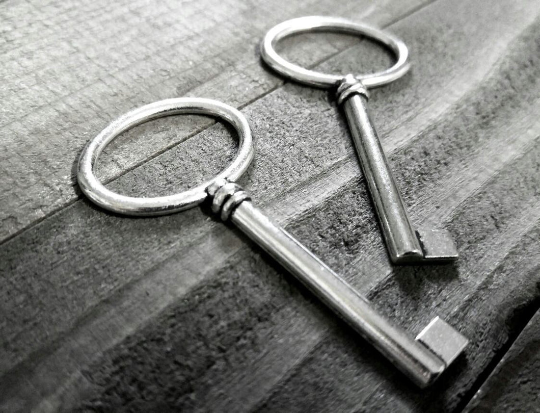 Bulk Skeleton Keys Silver Key Pendants Large Keys Silver Keys Wholesale Keys Skeleton Key Pendants Barrel Keys Steampunk Keys 100 pieces