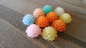 Flower Cabochons 20mm Resin Flowers Large Mum Cabochons Chrysanthemum Flatbacks Spring Mix Flat Back Cabochons 10pcs