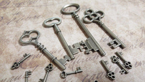 Key Charms Antiqued Silver Key Pendants Skeleton Keys Assorted Keys Steampunk Keys Big Keys 14pcs
