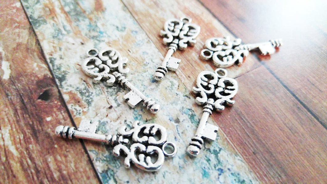 Heart Key Pendants Antiqued Silver Keys Heart Keys Skeleton Keys Key Charms Filigree 2 Sided 33mm 10pcs