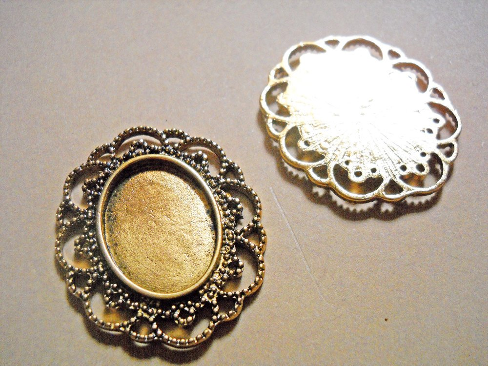 Blank Pendants Antiqued Gold Cabochon Settings Large Focal Pendants Frame Pendants 41mm 25x18 Setting 4 Pieces Ornate Filigree