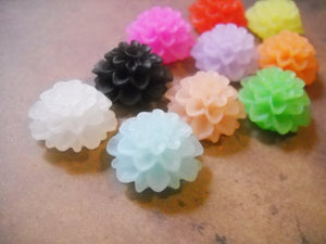Mum Cabochons Resin Flower Cabochons Flatbacks 20mm Cabochons Frosted Flower Flat Backs 20 pieces