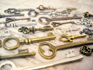 Bulk Skeleton Keys Steampunk Key Charms Assorted Charms Assorted Keys Bronze Silver Gold Copper Black Keys Wholesale Keys 100 pieces