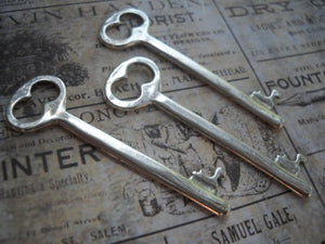 Silver Keys Bulk Skeleton Keys Key Pendants Silver Key Charms Steampunk Keys Wedding Keys Skeleton Key Charms Wholesale Keys 25 pieces