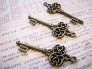 Bulk Skeleton Keys Bronze Keys Wholesale Keys Key Pendants Key Charms Wedding Keys Steampunk Keys Steampunk Charms Bronze Key 100 pieces