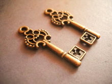 Load image into Gallery viewer, Key Charms Steampunk Keys Copper Key Charms Antiqued Copper Skeleton Keys Copper Charms 5 pieces