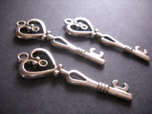 Load image into Gallery viewer, Heart Key Pendants Antiqued Silver Skeleton Keys 42mm Wholesale Skeleton Keys 50 pieces Bulk Skeleton Keys