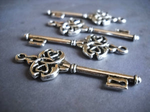 Silver Skeleton Key Charms Key Pendants Steampunk Keys Antiqued Silver Keys Trinity Keys 45mm 2 pieces