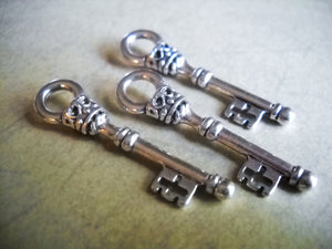 Silver Skeleton Keys Key Charms Key Pendants Wholesale Keys Bulk Skeleton Keys Silver Charms 25 pieces