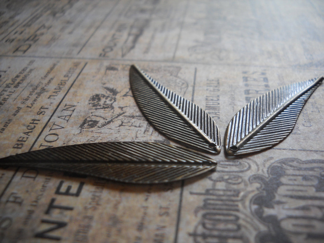 Wing Pendants Wing Charms-Leaf Pendants-Bronze Wings Bronze Wing Charms Leaf Charms 20 pieces 42mm
