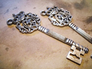 Big Keys Antiqued Silver Keys Steampunk Keys Focal Pendants Key Pendants Crown Keys 70mm Large Keys 2 pieces Crown Key Pendants