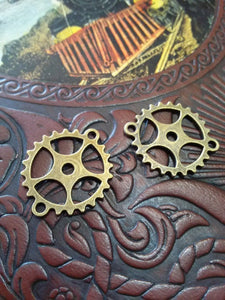 Clock Gear Watch Gear Connectors Bracelet Connectors Necklace Connectors Antiqued Bronze Gear Pendants Charms 4 pieces