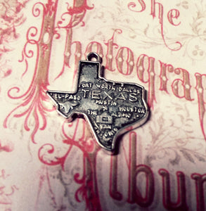Texas Charms Texas Pendants State of Texas Map Charms State Charms Antiqued Silver Texas Charms Highly Detailed TX 2 pieces