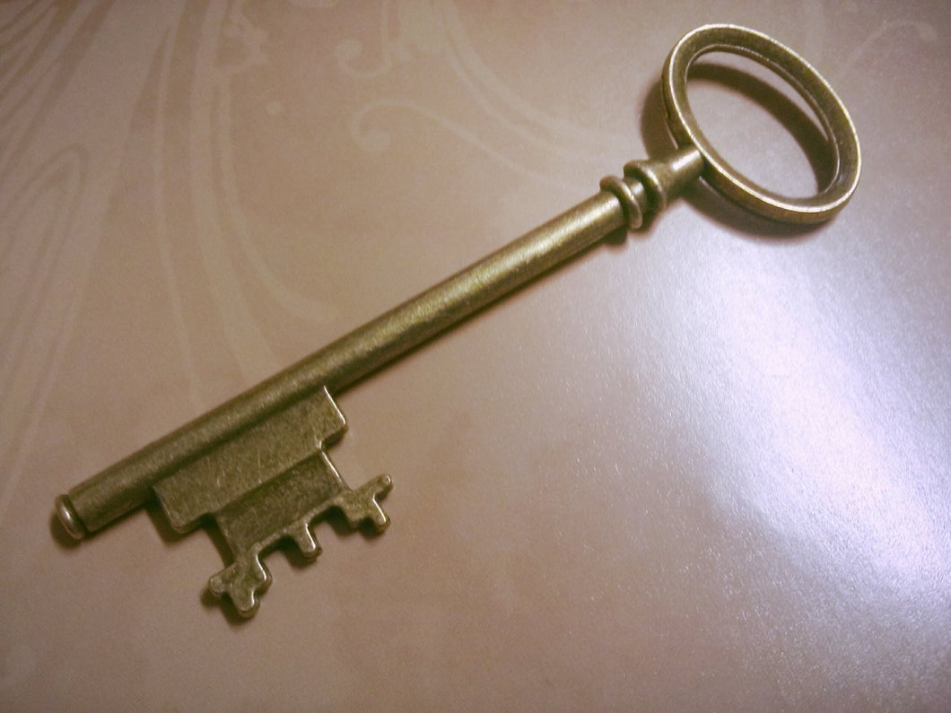Large Skeleton Keys Key Pendants Antiqued Bronze Keys Steampunk Keys Big Keys Wedding Keys Wholesale Keys 80mm 3 inch 11 pieces