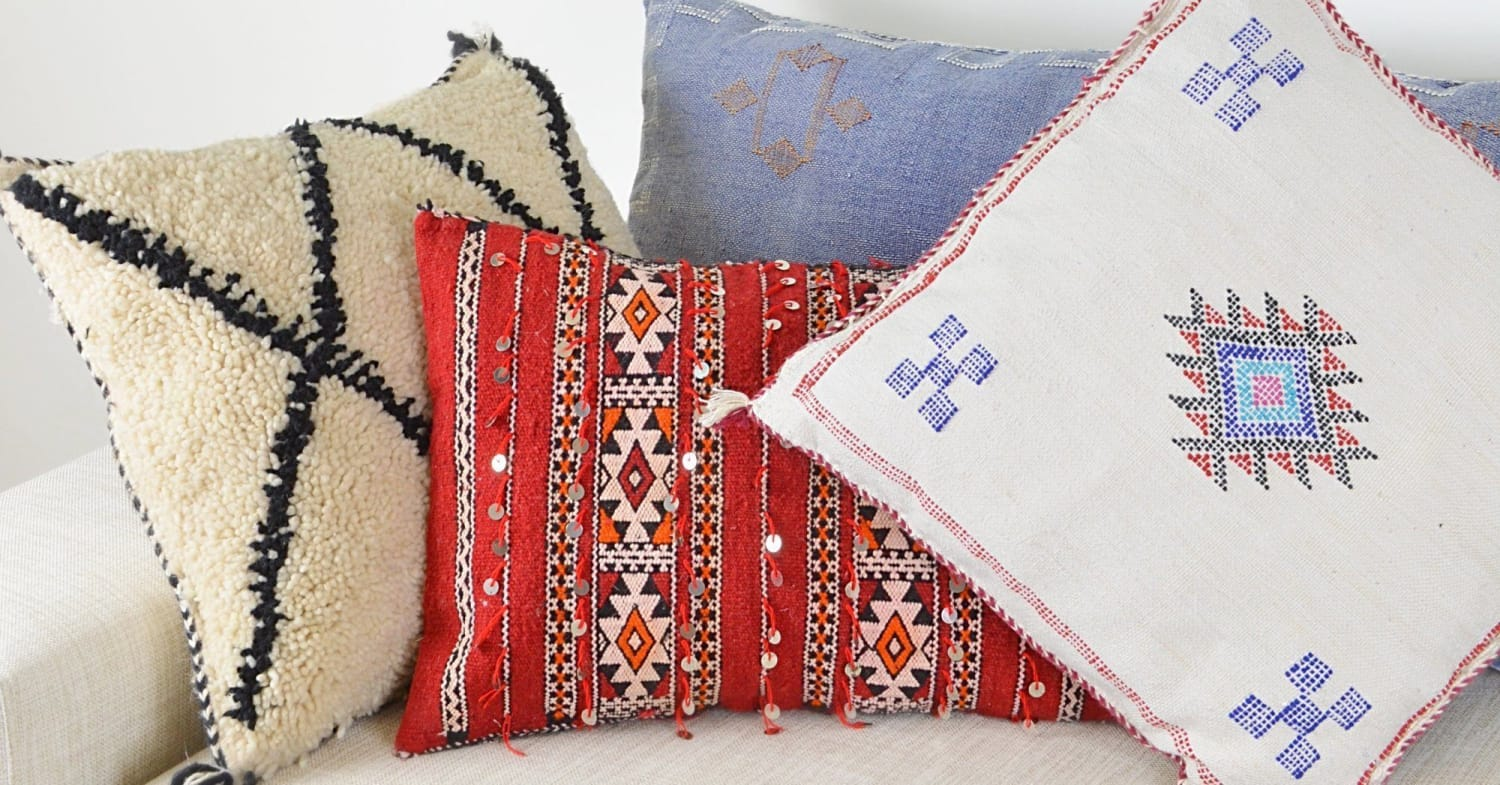How to decorate with Moroccan pillows
