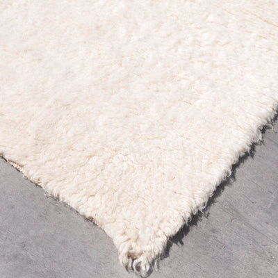 Beni Ourain Solid rug 6.6 ft x 8.6 ft - BENISOUK