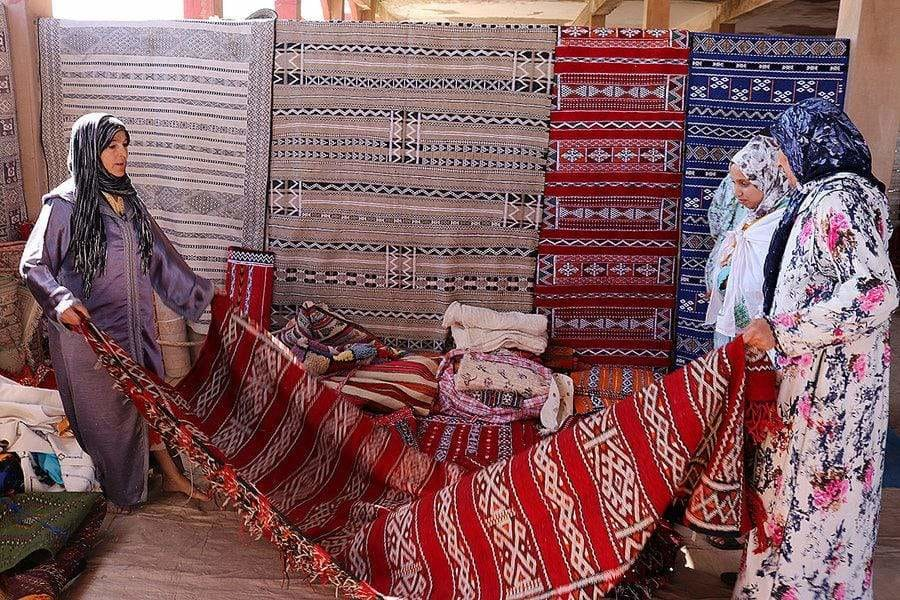 The Moroccan Rug Souks where Women have the Final Say