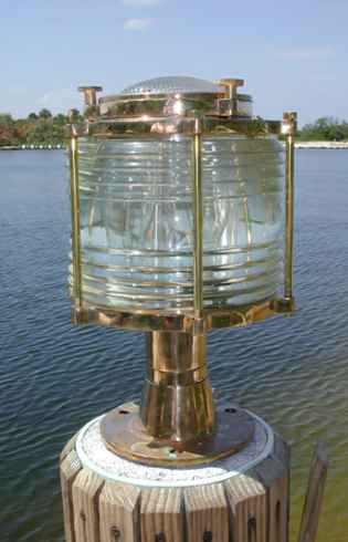 Hydra™ Extra-Large Bronze Pedestal Light