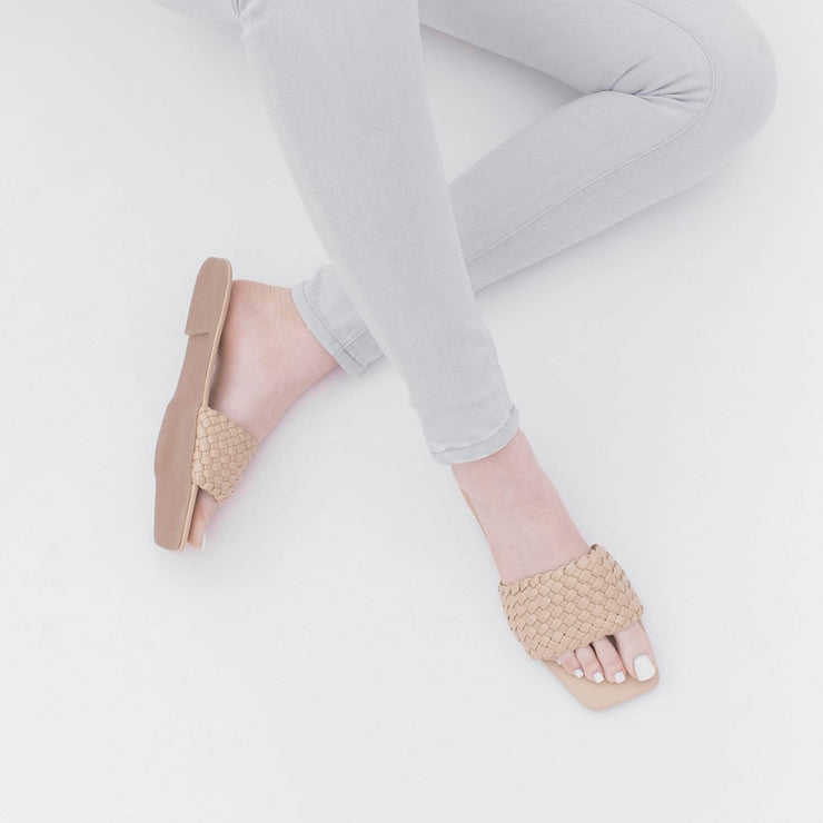 B1G2 Colly Nude Leather