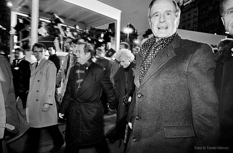 11/17/90 - Wenceslas Square - Vaclav Havel walking with US President George Bush