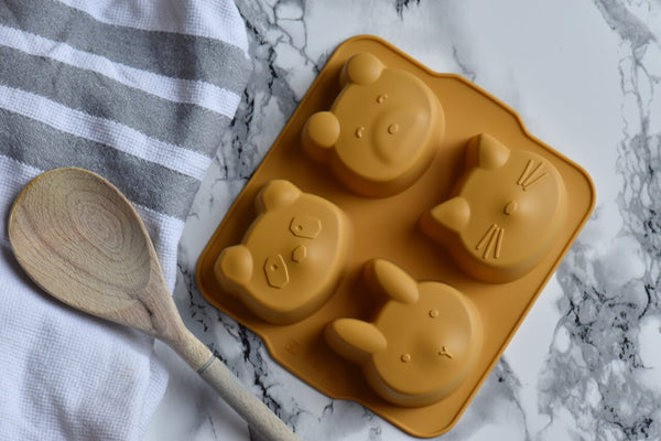 Baking with kids - Liewood cake moulds