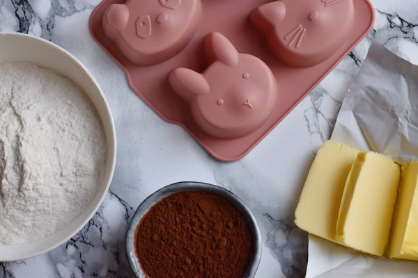 Baking with kids - Liewood cake moulds and ingredients