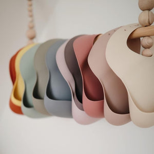 Mushie Silicone Bib in Safari
