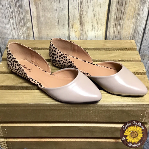 Spotted and Taupe Pointed Toe Flat