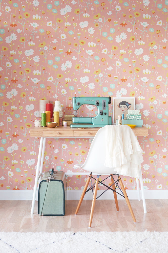 Bloom in Pink Wallpaper | Majvillan Behang