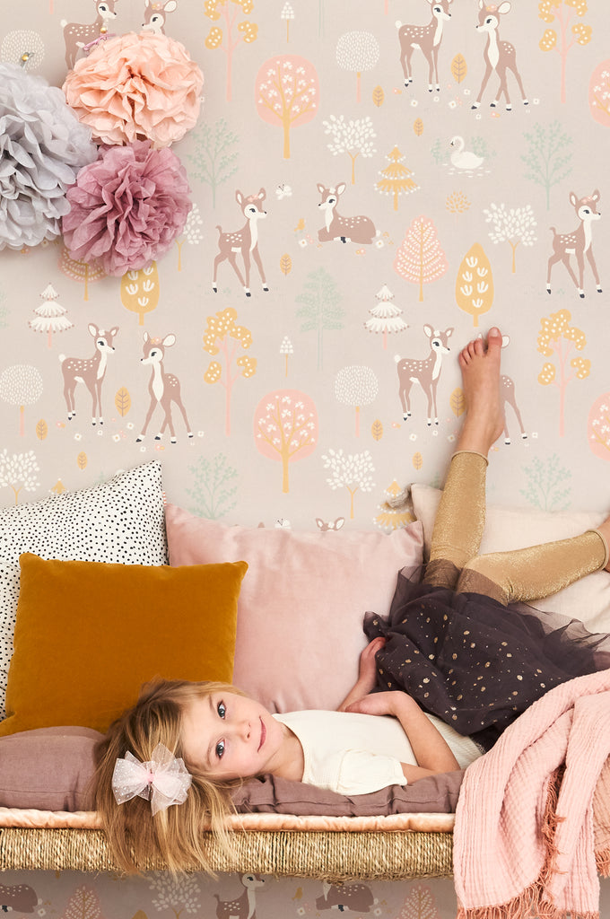 Majvillan Wallpaper | Golden Woods in Dusty Lilac